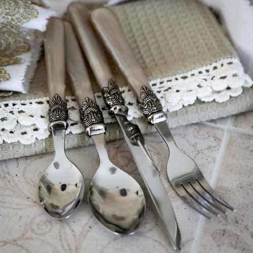 Chic antique besteckset mit silber deko antik perlmutter for Wanddeko besteck silber