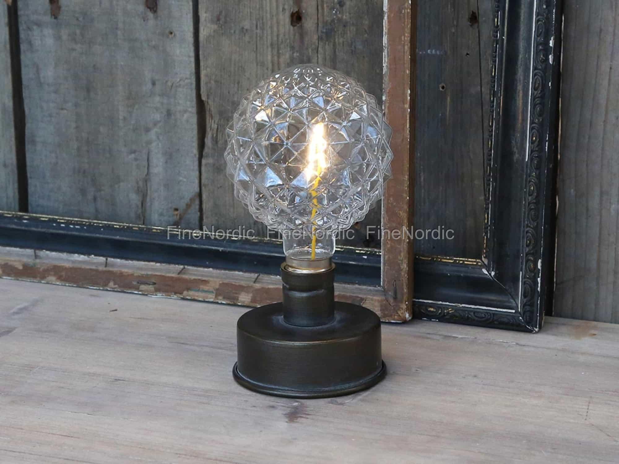 chic antique lampe mit gemusterte gl hbirne f r batterie. Black Bedroom Furniture Sets. Home Design Ideas